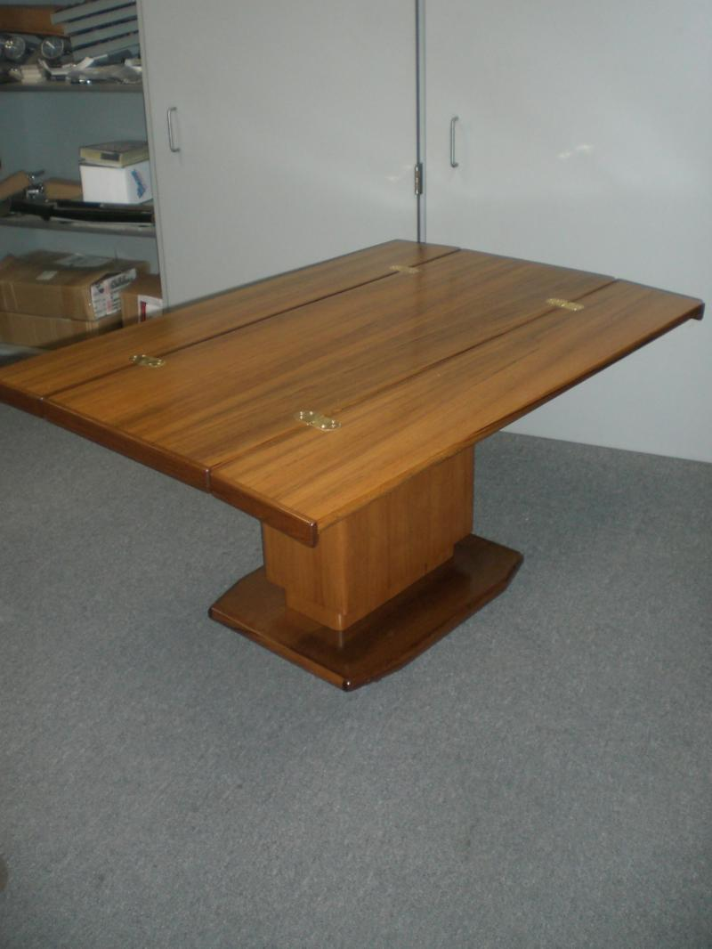 Yacht Hi-Lo Table